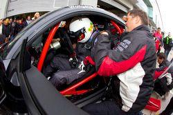 Passage aux stands pour #125 Pro Heticap Audi TTS: Wolfgang Müller, Oliver Rudolph