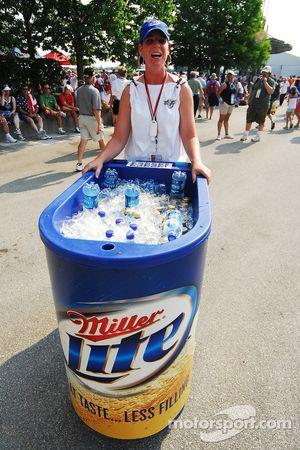 Beer and water vendor