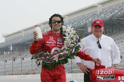 2010 Indianapolis 500 Champion Dario Franchitti, Target Chip Ganassi Racing and Team Owner Chip Gana