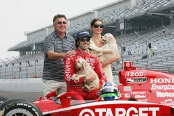 2010 Indianapolis 500 Champion Dario Franchitti, Target Chip Ganassi Racing,wife Ashley Judd and Dar