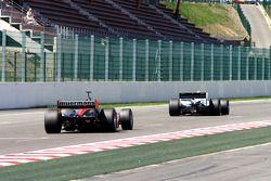 #12 Philippe Bourgois, G-Force Indycar et #11 Peter Milavec, Panoz DP01 Champcar