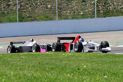 #3 Klaas Zwart, Ascari Benetton B197 F1 en #22 Carlos Antunes Tavares, Dallara Nissan WS