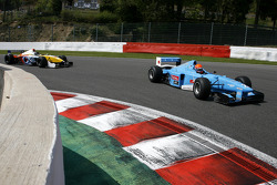#2 Marijn van Kalmthout, Benetton B197 F1 en#24 Norbert Gruber, Dallara Nissan WS