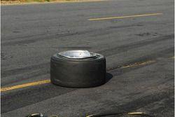 Arrière gauche plié et endommagé de Darren Laws Porsche Riley
