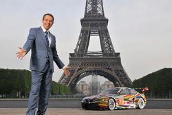 Jeff Koons et la 17th BMW Art Car à la Tour Eiffel à Paris