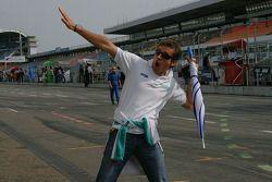 Bruce Jouanny apprend à voler