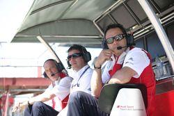 Hans-Jurgen Abt, Team chef Abt-Audi avec Albert Deuring, Directeur technique Abt Sportsline, Dr. Wolfgang Ullrich, Audi Directeur du sport automobile