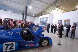 Ceremonie voor het herdenken van Jean Rondeau en Jean-Pierre Jaussaud van de 1980 24 Hours of Le Man