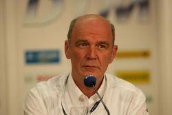 Dr. Ullrich, Audi Directeur du sport automobile, à la conférence de presse pour la finale du DTM à Shanghai