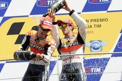 Podio: ganador de la carrera Dani Pedrosa, Repsol Honda Team y tercer lugar Andrea Dovizioso, del eq