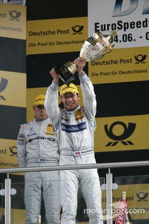 Podium: vainqueur Bruno Spengler, Team HWA AMG Mercedes C-Klasse