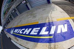 La nueva señalización de Michelin en los pits