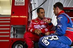 Juan Pablo Montoya, Earnhardt Ganassi Racing Chevrolet et Max Papis, Germain Racing Toyota
