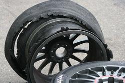Dead GT tyres