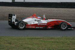 Valtteri Bottas l'emporte aux Masters of Formula 3