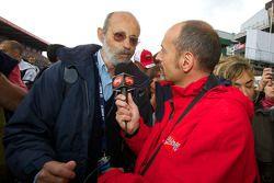 Жерар Лярусс берет интервью у Анри Пескароло