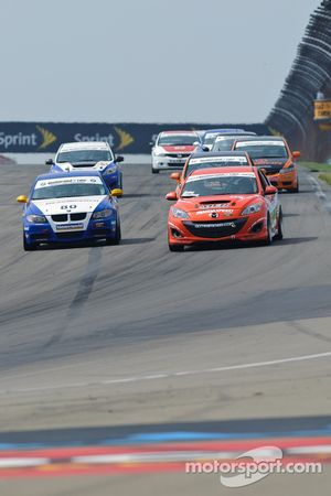 #03 Team MER Mazda Speed 3: Jason Saini, Justin Piscitell, #80 Bimmerworld/GearWrench BMW328i: James Clay, David White