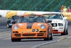 #83 BGB Motorsports Porsche Carrera: Stewart Tetreault, Guy Cosmo
