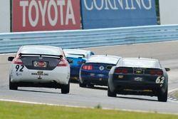 #62 Mitchum Motorsports Camaro GS.R: Joey Atterbury, Dion von Moltke, #92 HART Honda Civic Si: Chad