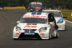 Tom Chilton voor Andy Neate en Tom Boardman