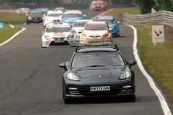 Auto's achter de safety car