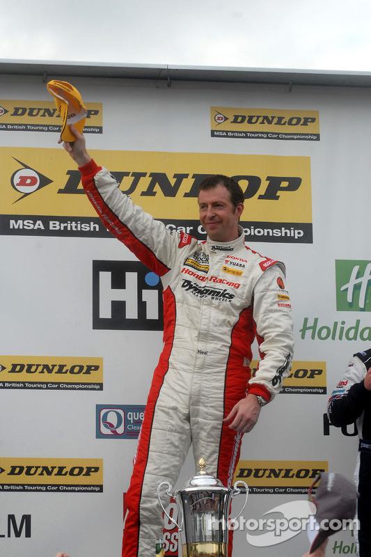 Race winnaar Matt Neal