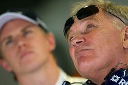 Patrick Head, WilliamsF1 Team, Direktör, mühendising ve Nico Hulkenberg, Williams F1 Team