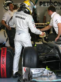 Nico Rosberg, Mercedes GP getting Car