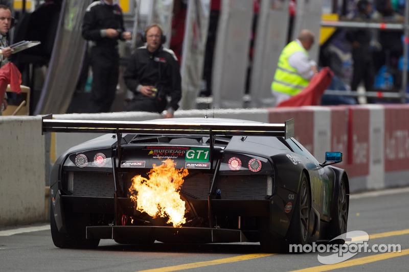Пожар: Ацуши Його, Кодзи Яманиси, Хироюки Иири, JLOC, Lamborghini Murciélago LP670 R-SV (№69)
