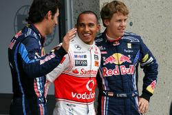 Ganador de la pole Lewis Hamilton, McLaren Mercedes el segundo puesto Mark Webber, Red Bull Racing y el tercero Sebastian Vettel, Red Bull Racing
