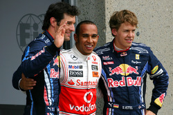 Ganador de la pole Lewis Hamilton, McLaren Mercedes el segundo puesto Mark Webber, Red Bull Racing y