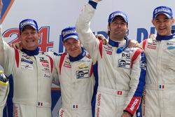 LMGT1 podium: klassewinnaars Roland Berville, Julien Canal en Gabriele Gardel