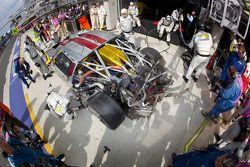 #70 Marc VDS Racing Team Ford GT: Eric De Doncker, Bas Leinders, Markus Palttala in de pitstraat wit