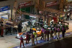 Pitstop #28 Race Performance Radical SR9 Judd: Marc Rostan, Ralph Meichtry, Pierre Bruneau en #11 Dr