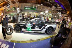 Pitstop #73 Luc Alphand Aventures Corvette C6.R: Julien Jousse, Xavier Maassen, Patrice Goueslard