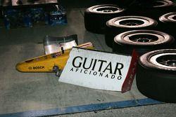 Le nez endommagé de la voiture du Mario Romancini Conquest Racing