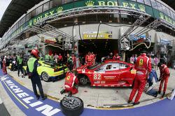 #83 Risi Competizione Ferrari F430 GT: Tracy Krohn, Nic Jonsson, Eric Van De Poele, #82 Risi Competizione Ferrari F430 GT: Jaime Melo, Gianmaria Bruni, Pierre Kaffer