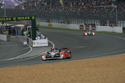Pace lap: #15 Kolles Audi R10: Christian Bakkerud, Oliver Jarvis, Christophe Bouchut
