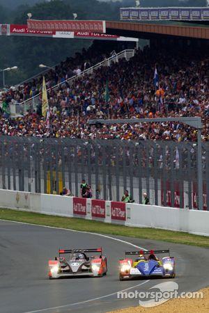 #14 Kolles Audi R10: Christijan Albers, Scott Tucker, Manuel Rodrigues en #6 AIM Team Oreca Matmut O