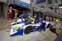 Passage aux stands pour #29 Racing Box Lola Judd Coupe: Luca Pirri, Marco Cioci, Piergiuseppe Perazzini