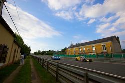 #92 JMW Motorsport Aston Martin Vantage: Rob Bell, Tim Sugden, Bryce Miller, #88 Team Felbermayr-Proton Porsche 911 GT3 RSR: Horst Felbermayr Sr., Horst Felbermayr Jr., Miro Konopka