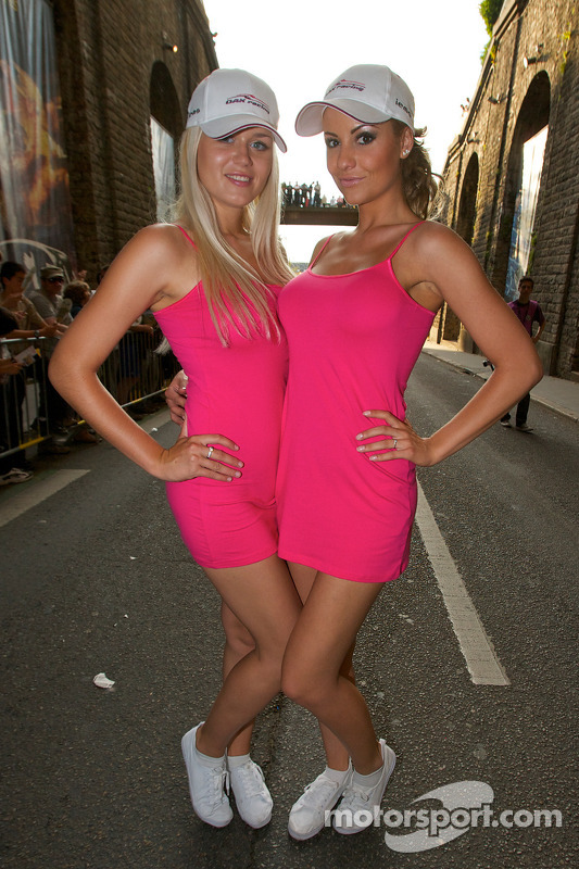 Mooie Oak Racing meiden