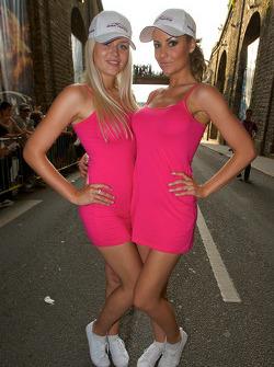 Lovely Oak Racing girls