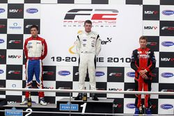 Podium: race winner Dean Stoneman, second place Jolyon Palmer, third place Kazim Vasiliauskas