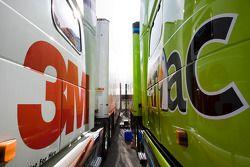 Les camions 3M et Alfac cote à cote