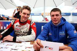 Paul Rees et Jack Clarke en session d'autographes
