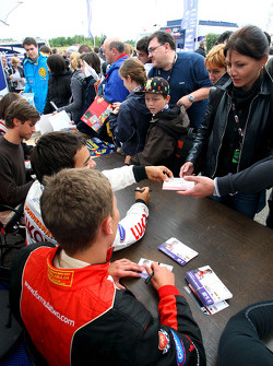 Kazim Vasiliauskas in the autograph session