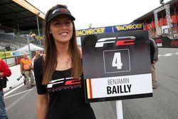 F2 grid girl for Benjamin Bailly