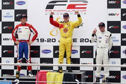 Podium: race winner Benjamin Bailly, second place Jolyon Palmer, third place Dean Stoneman
