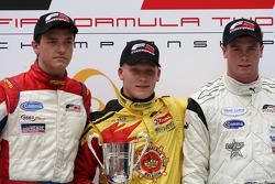 Podium: winnaar Benjamin Bailly, 2de Jolyon Palmer, 3de Dean Stoneman